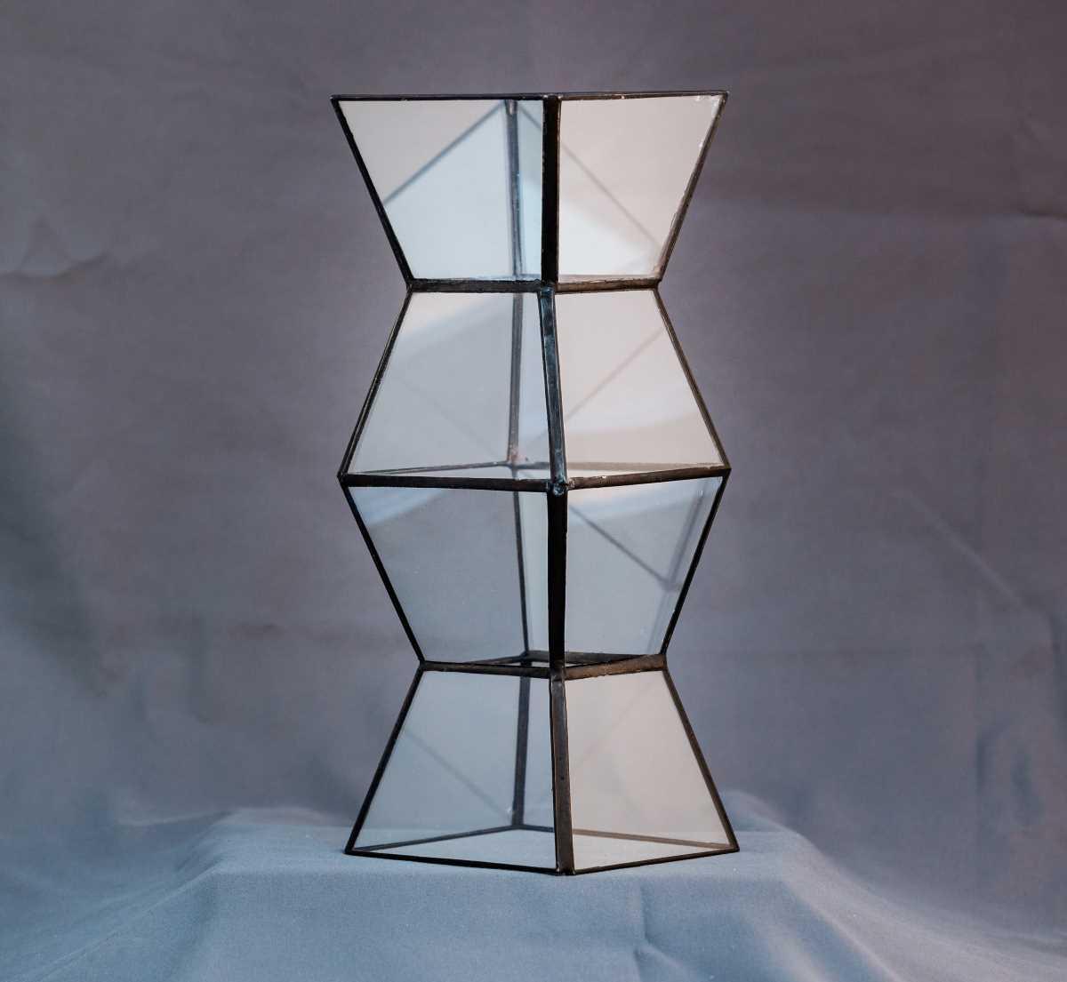 terariu in forma de coloana, geometric, greenarium