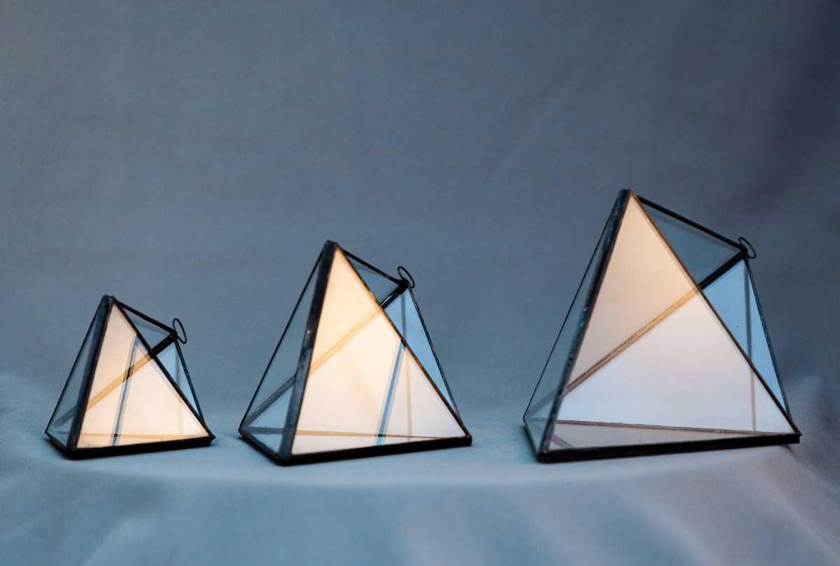 terariu geometric, pridamida de agatat din sticla, mica, medie, mare, greenarium
