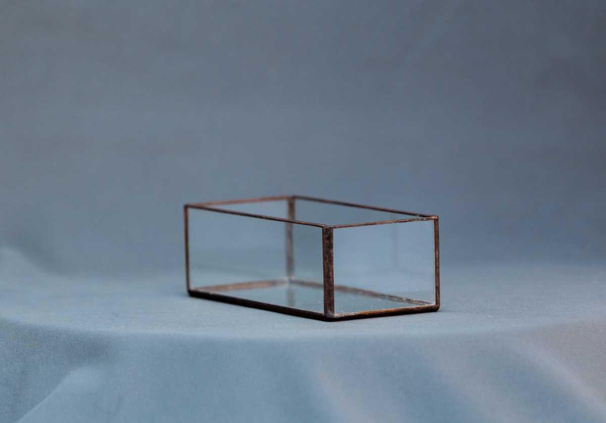 terariu geometric din sticla, jardiniera mica vintage, greenarium